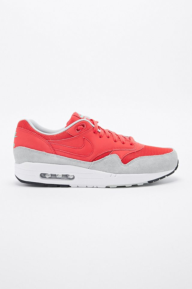 Nike - Baskets Air Max 1 Essential rouges | Urban Outfitters FR
