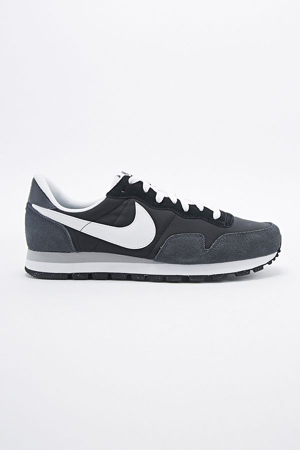Nike Air Pegasus 83 Trainers in Black and White