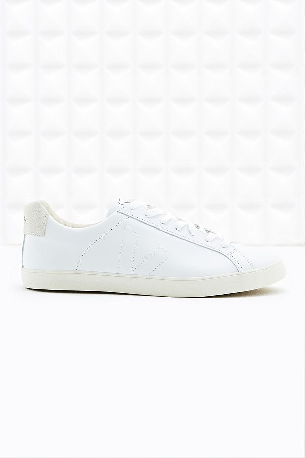 b9bee43faf5 Veja Esplar Leather Trainers in White | Urban Outfitters UK