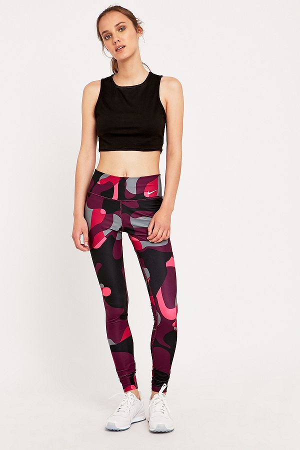 later clearance prices uk store Nike Legend 2.0 Pink Camo Leggings | Urban Outfitters UK