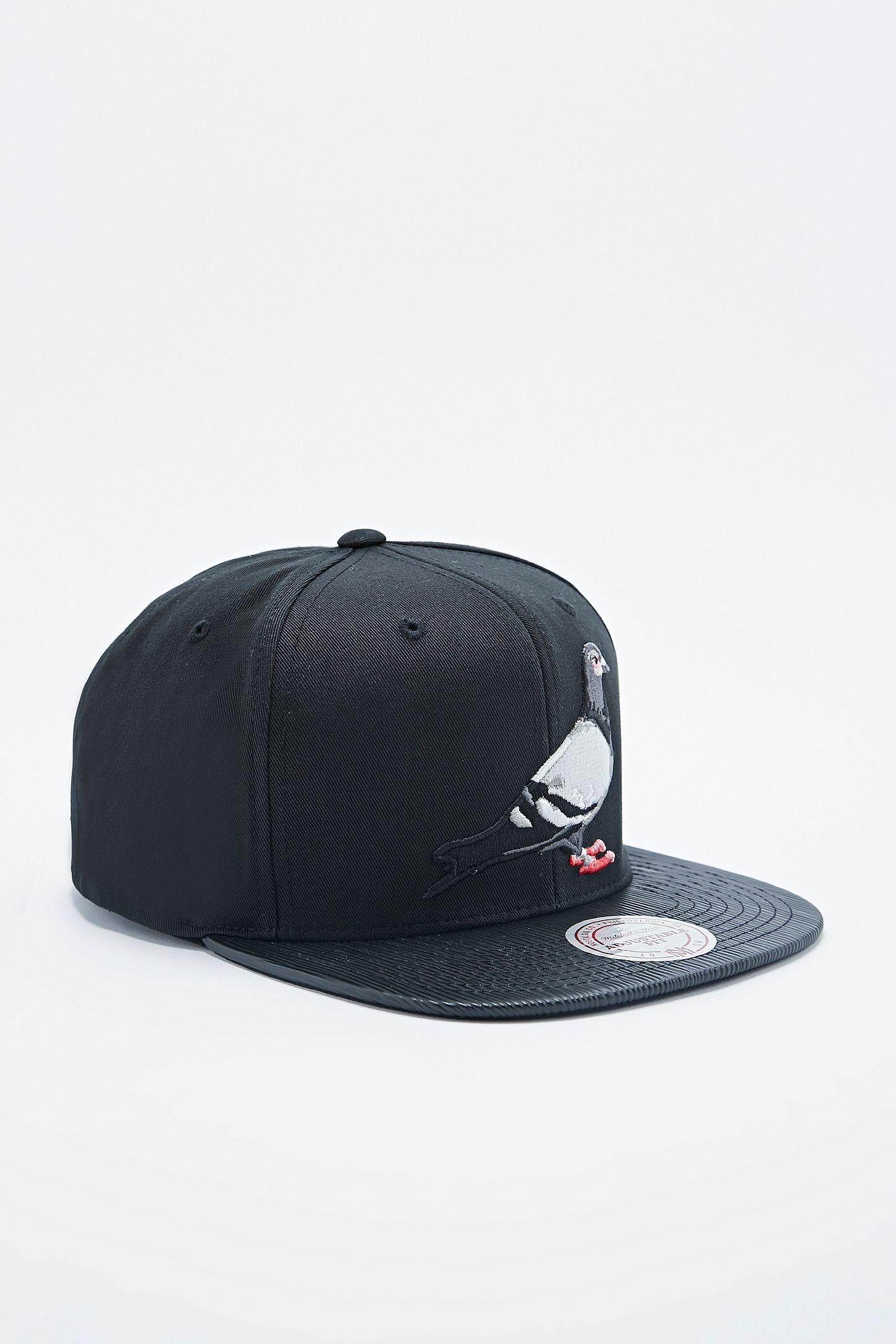 9252ab0da00b7 Staple Pigeon Snapback Cap in Black