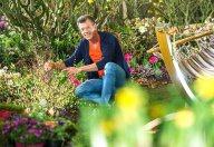 Karl Ploberger im Garten