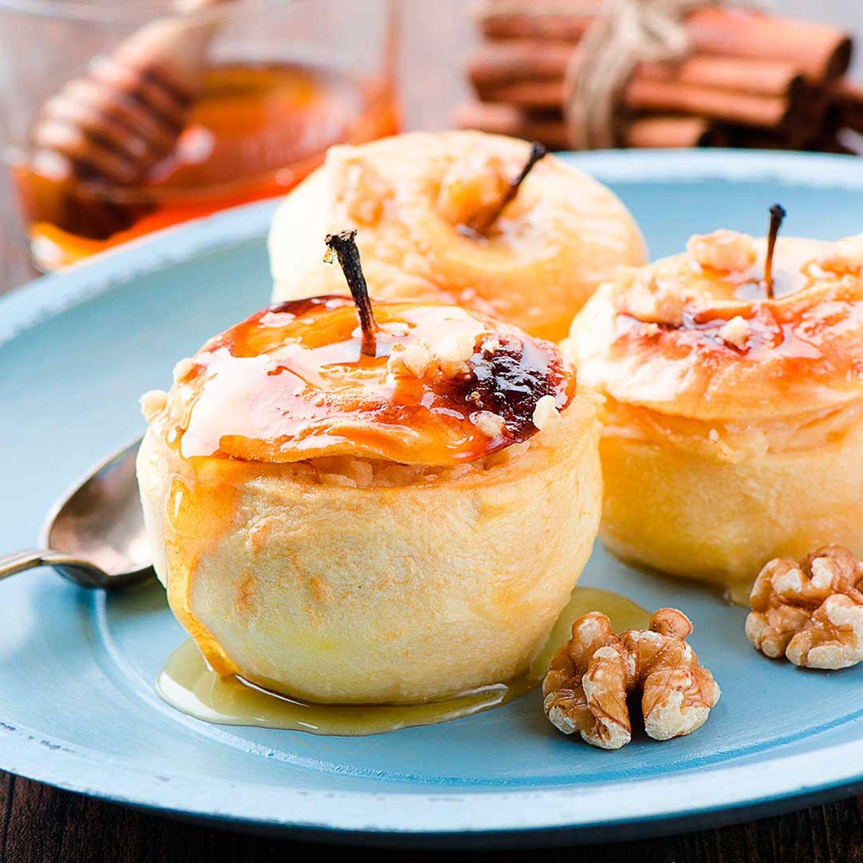 Gebratener Apfel auf Honig-Zimt-Creme