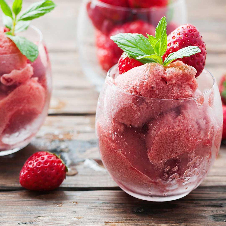 Erdbeer-Basilikum-Sorbet