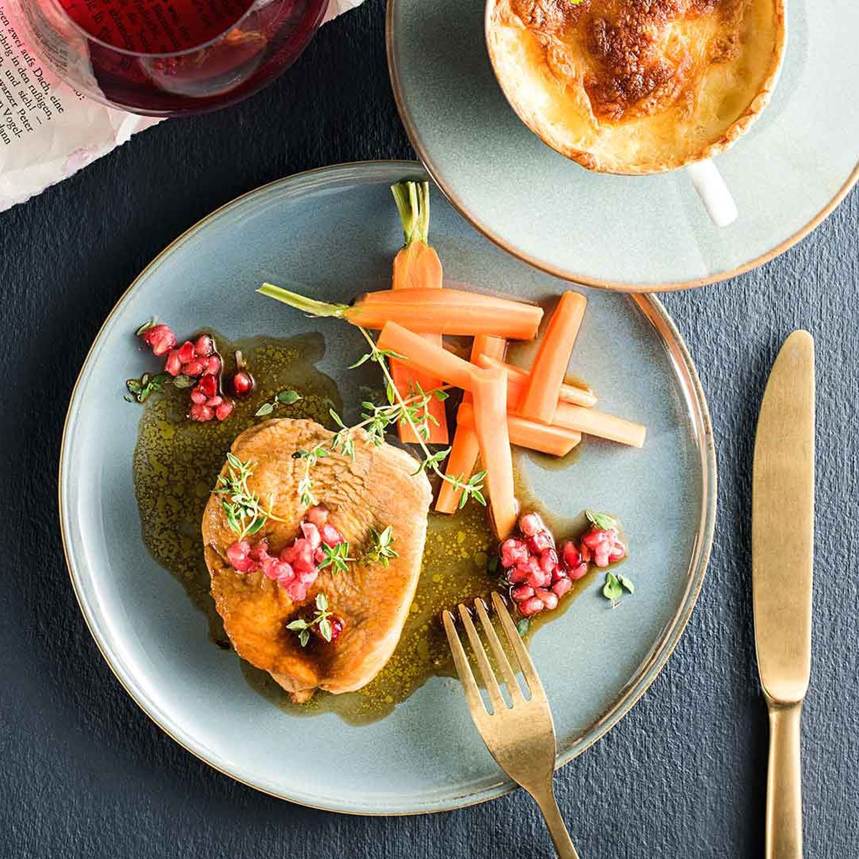 Truthahnbrust mit Granatapfel-Thymianjus & Kartoffelgratin