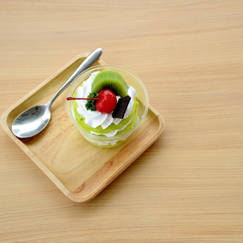 Kiwi-Kuchen im Glas mit Puddingcreme