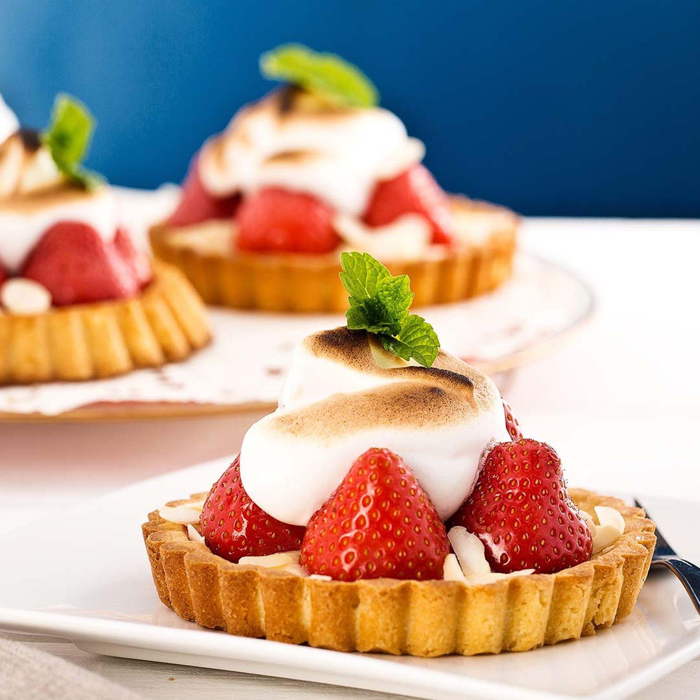 Erdbeer-Topfenkuchen mit Baiser