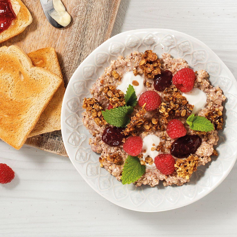 Frühstücks-Crumble mit Chia & Himbeere