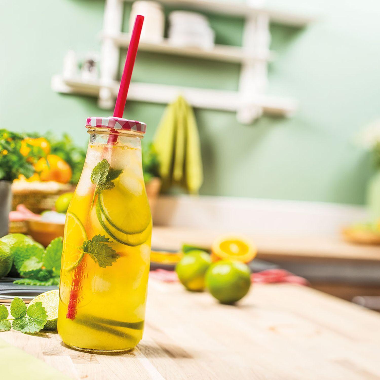 Limetten-Orangen-Melissen-Limonade