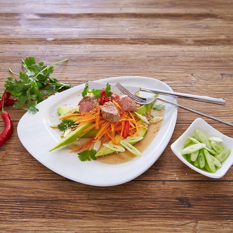 Karotten-Avocado-Salat mit Rinder-Filetsteaks