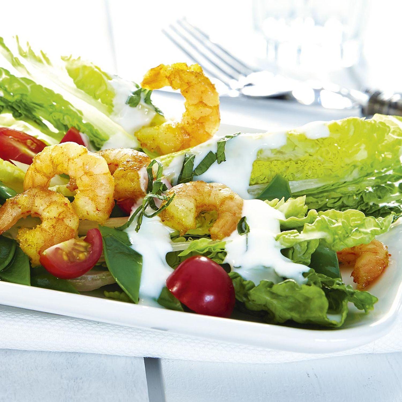 Salat mit Currygarnelen
