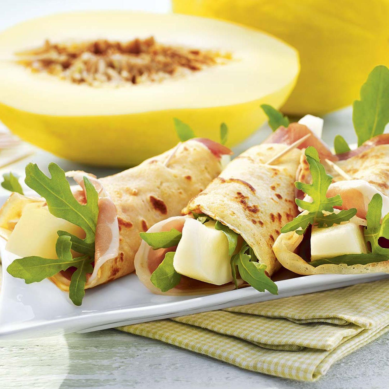 Palatschinken mit Melone und Serrano-Schinken