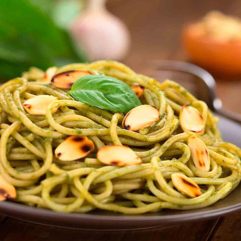 Spaghetti mit Spinat-Sojasauce