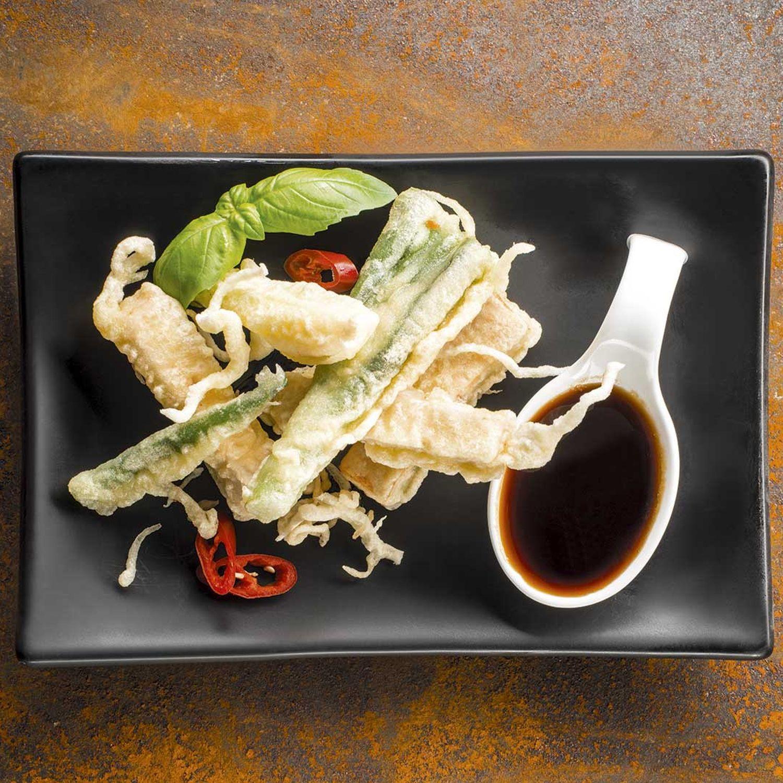 Tofu und Jungzwiebel in Tempurateig mit Soja-Honig-Glace