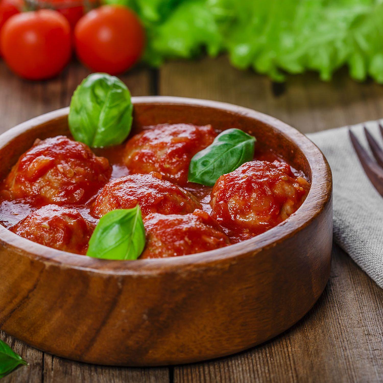 Chili con Carne-Bällchen in Tomatensauce