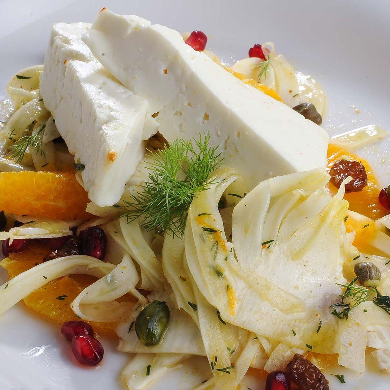 Feta auf Orangen-Fenchel-Salat
