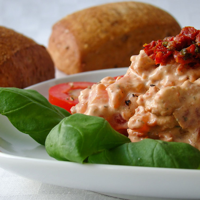 Frischkäseaufstrich mit getrockneten Tomaten