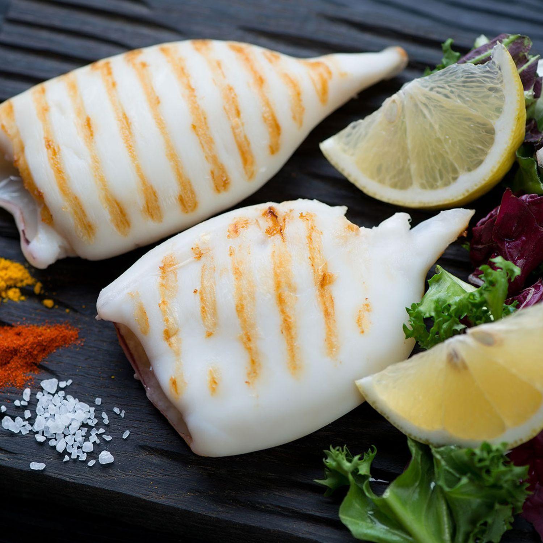 Gegrillte Calamari und Melanzani mit mariniertem Gemüse