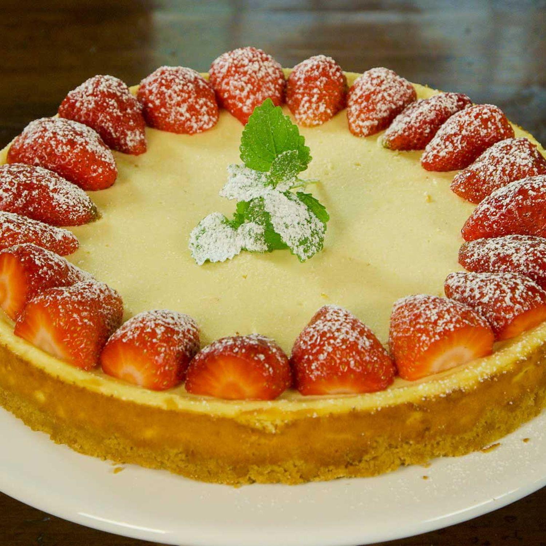 Topfen-Ingwer-Tarte mit Erdbeeren
