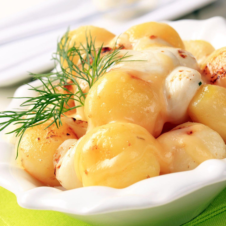 Würzige Minikartoffeln mit Käse überschmolzen