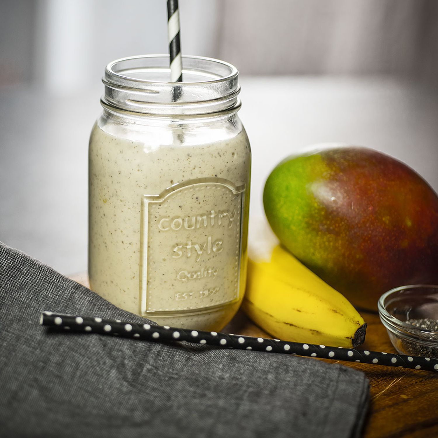 Mango-Chia-Cheesecake-Smoothie