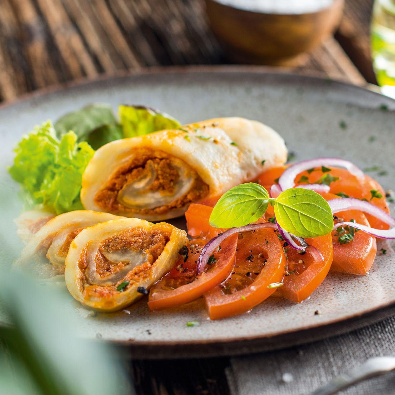 Gefüllte Mozzarella-Roulade