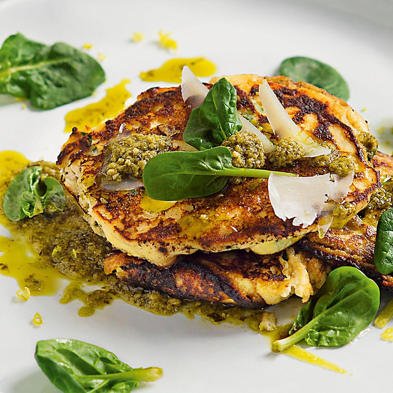 Spinat-Ricotta-Küchlein mit Parmesan und Pesto