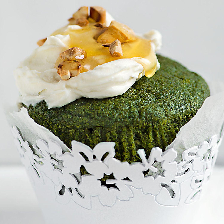 Süße Spinat-Cupcakes mit Kokosfrosting