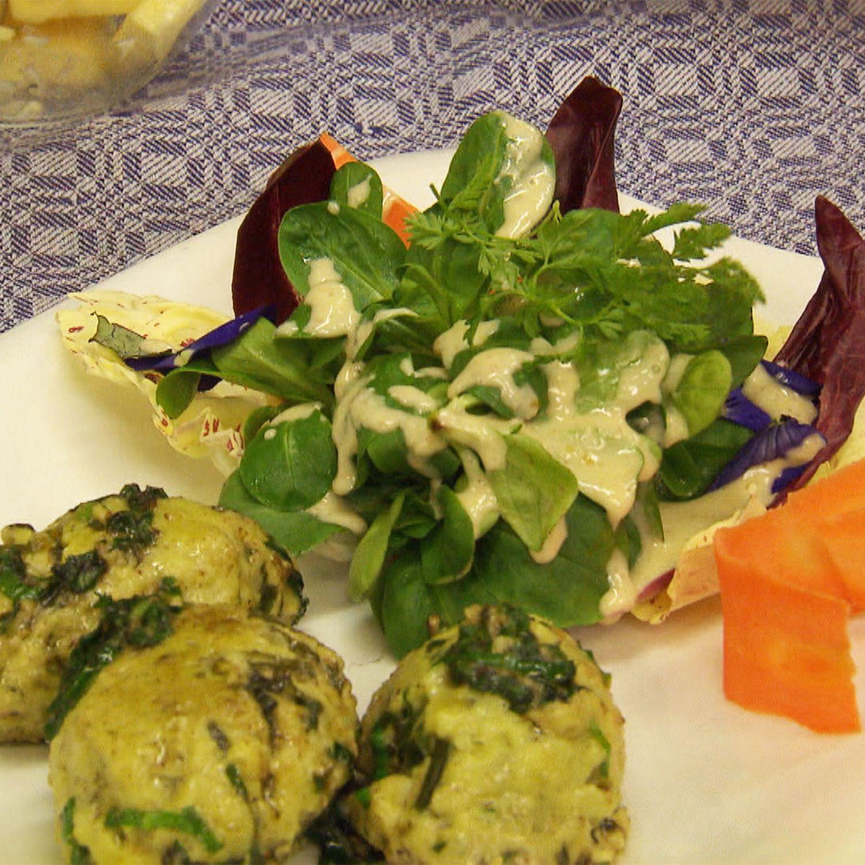 Bärlauchnockerl mit Frühlingssalaten