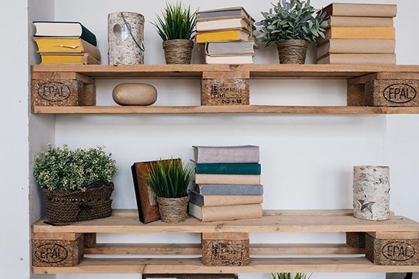 holz paletten möbel regal in 2020 | Holzpaletten möbel