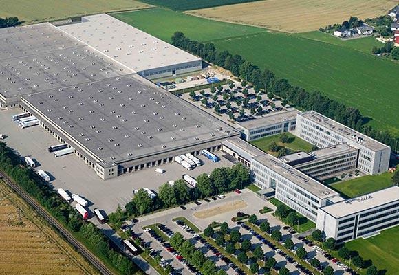 Draufsicht auf die Hauptniederlassung in Sattledt.