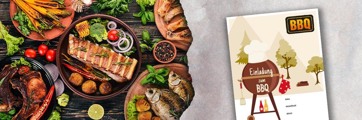 Links ein gefüllter Tisch mit leckeren Grillspeisen und rechts die Vorlage der BBQ-Einladung.