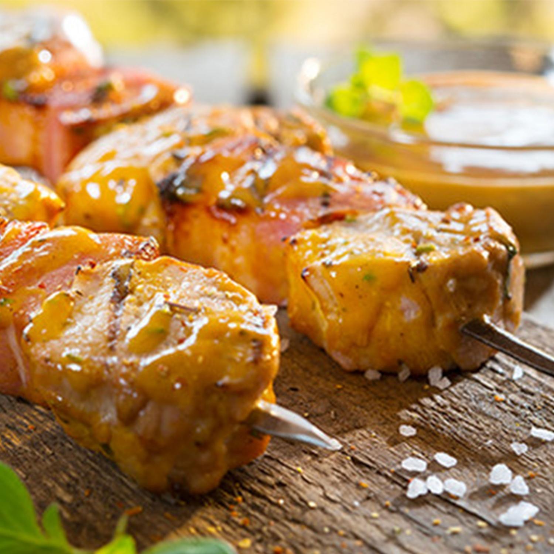 Marinierte Grillspieße mit Schweinefilet und Bauchspeck