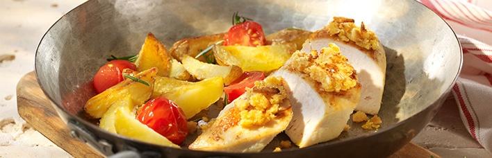 Hähnchenbrust mit Parmesan-Grissinikruste und Rosmarinkartoffeln