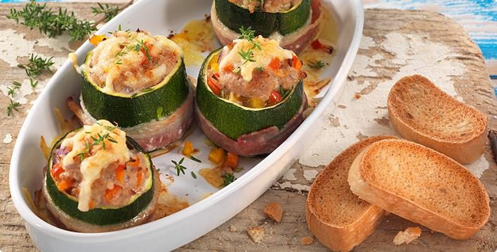 Gefüllte Zucchini mit Speck