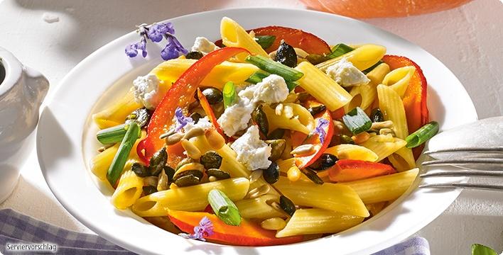 Herbstliche Pasta mit Kürbis und Kernen