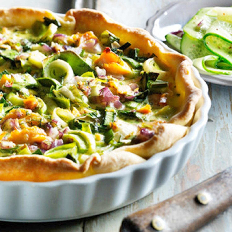 Lachs-Lauch-Quiche mit Gurkensalat
