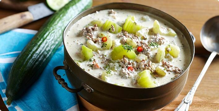 Hackfleisch-Gurken-Thymian-Suppe