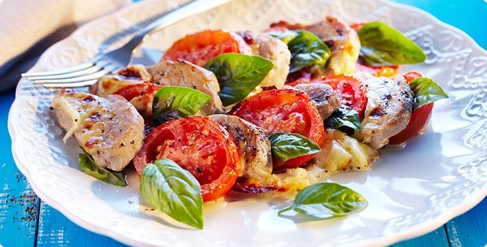 Gratiniertes Schweinefilet mit Tomate und Mozzarella