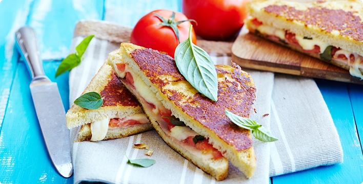 Knusprige Tomaten-Sandwiches aus der Pfanne