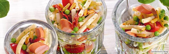 Nudelsalat mit Würstchen