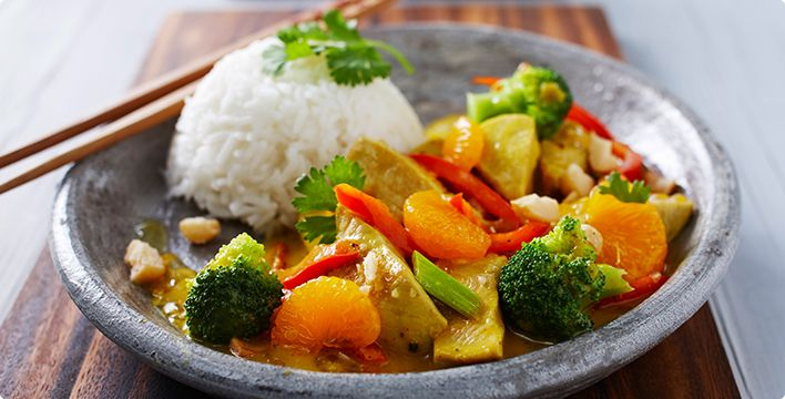 Fruchtiges Puten-Curry mit Mandarinen und Jasminreis