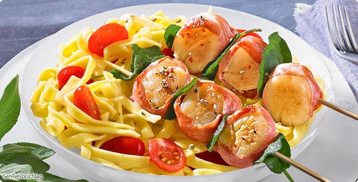 Gourmet-Tiefsee-Scallops mit Parmaschinken, Salbei und Gourmet Nudeln