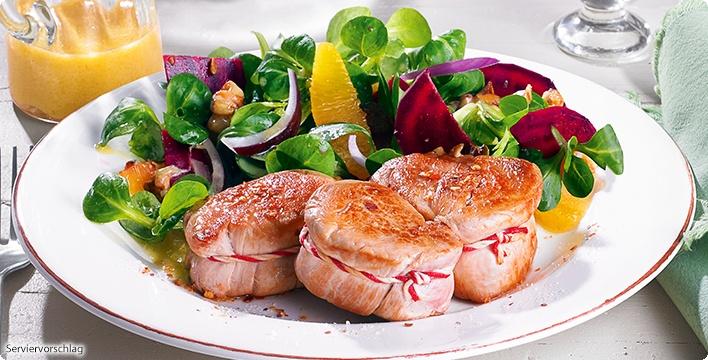 Schweinefilet-Medaillons mit Rote Bete-Feldsalat
