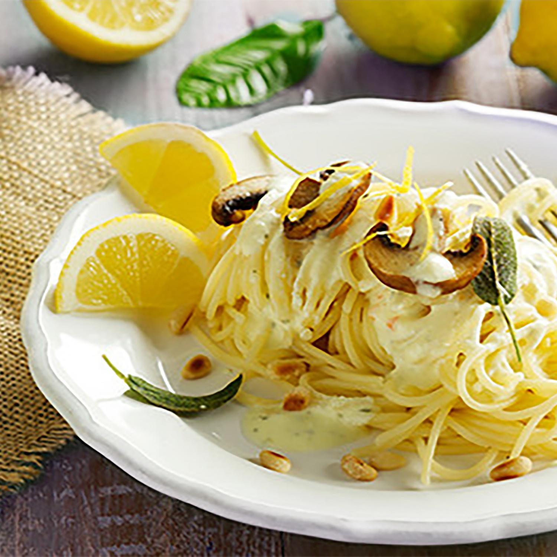 Vegetarische Pasta mit Zitronen-Mascarpone-Soße