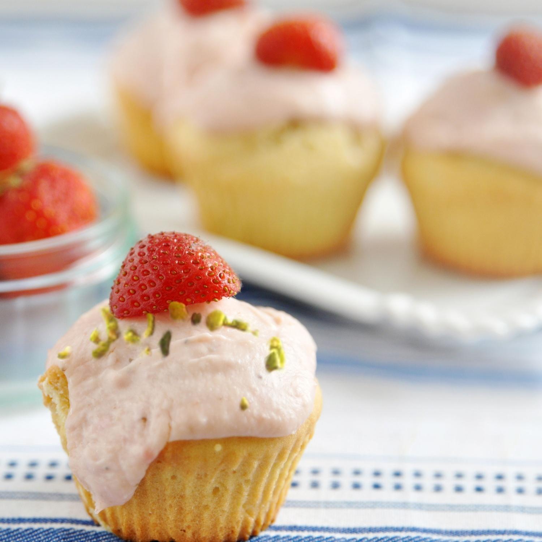 Cupcakes mit Erdbeer-Mascarponetopping