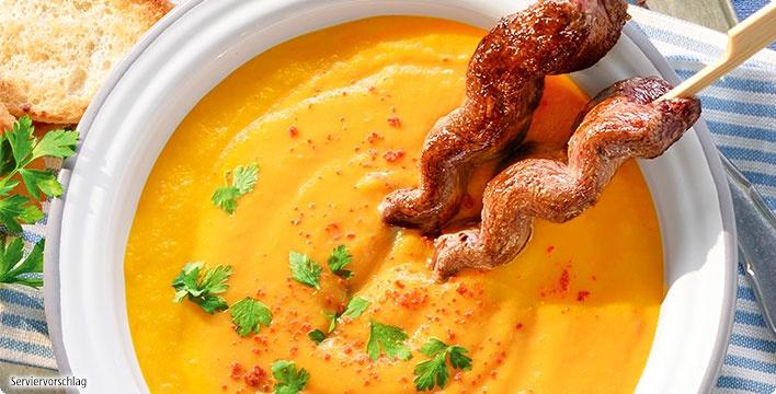 Lammfilet-Spieße mit Karotten-Mango-Suppe