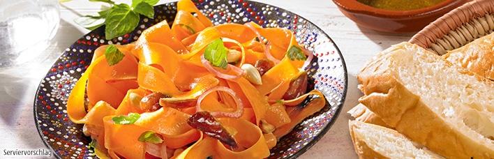 Orientalischer Möhrensalat mit Datteln und Mandeln