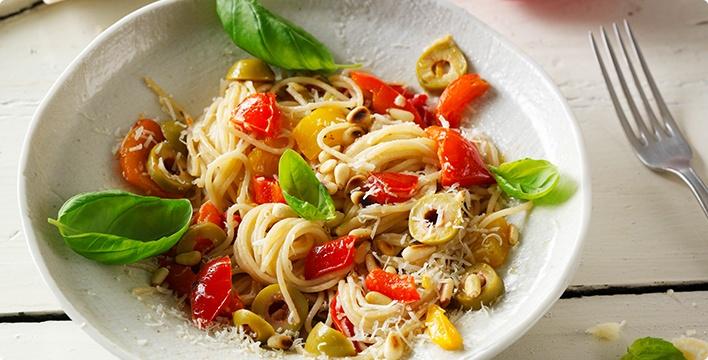 Mediterrane Spaghetti mit gegrillter Paprika