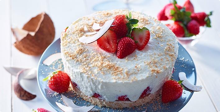 Sommerlich leichte Erdbeer-Kokos-Torte